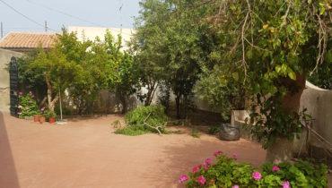 soluzione indipendente con giardino a Spartà
