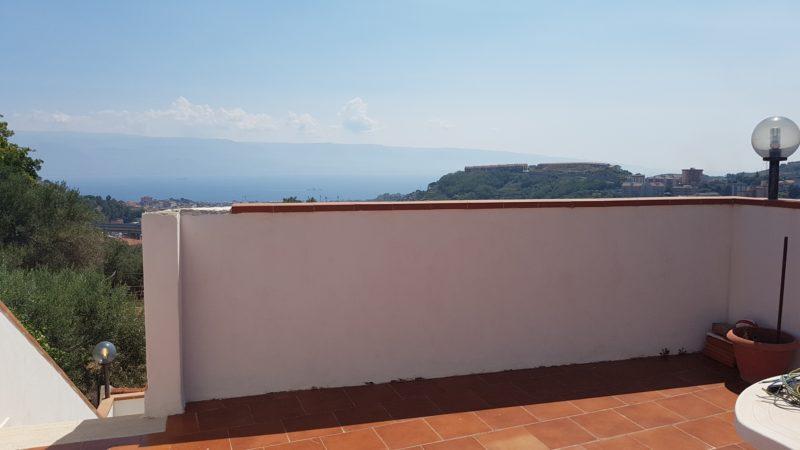villetta panoramica con ampi spazi esterni a bordonaro