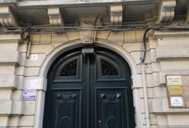 Pressi Teatro Vittorio Emanuele deposito #LO16194