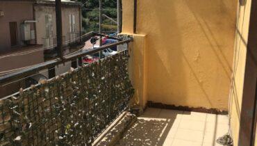 Via Del Santo in vendita indipendente 4 vani più servizi e terrazzo