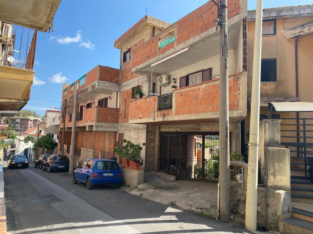 Zafferia in vendita soluzione indipendente con garage