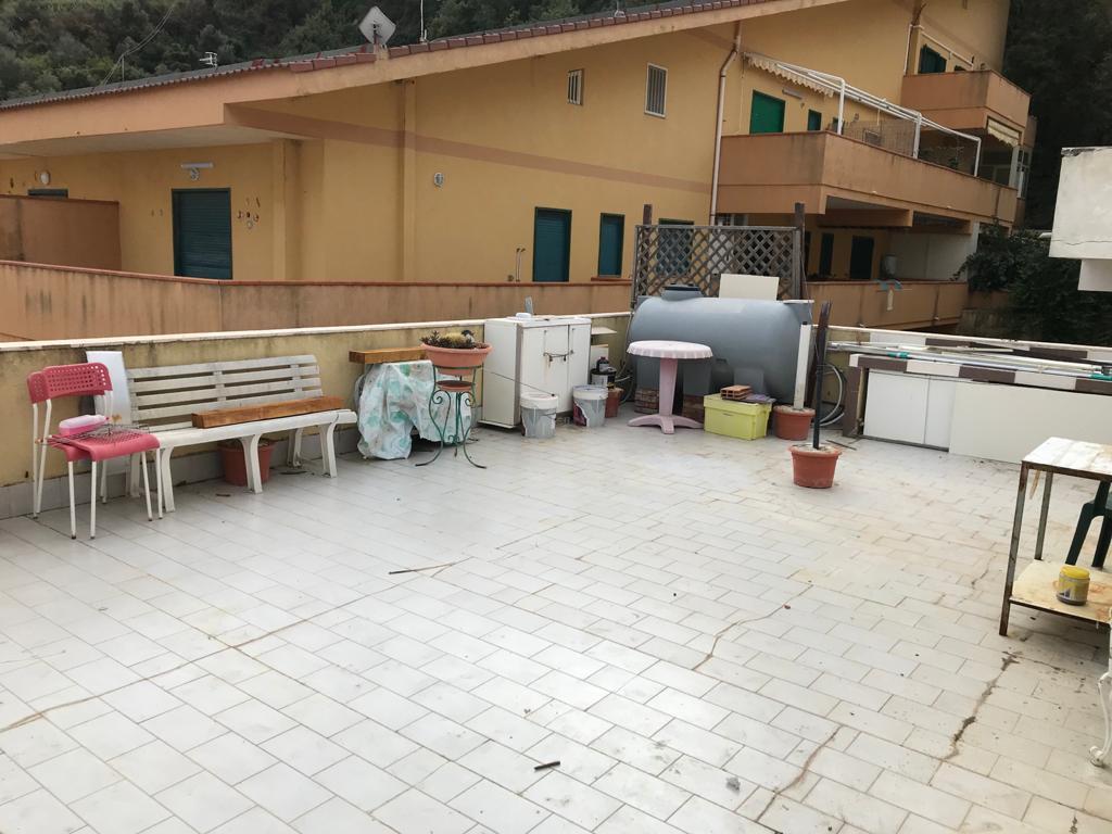 Acqualadroni in vendita bivani più terrazzo