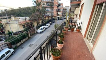 Pressi Svincolo Messina Centro in vendita 4 vani più doppi servizi e garage