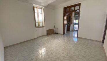 Provinciale Villa Dante in vendita soluzione indipendente 3 vani più terrazzo