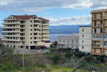 Contesse via del Carmine in vendita 4 vani più servizi panoramico