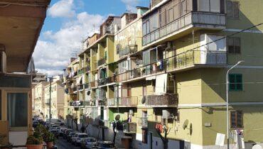 Provinciale via Napoli in vendita trivani più servizi