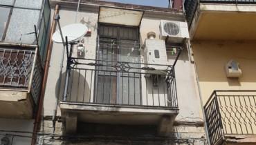 appartamento senza condominio ristrutturato vicino la piscina comunale