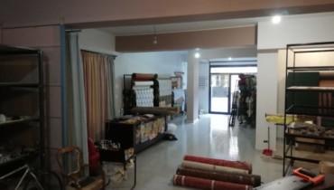 via Santa Marta locale commerciale